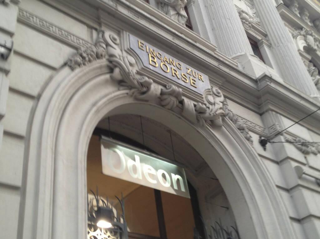 #meinewahl - Eingang zur Börse steht über dem Odeon. Den Eingang zur Wertpapierbörse scheinen die Politiker nicht zu finden  (22.09.2013)