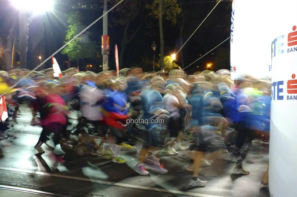 Erste Bank Vienna night run 2013, Der Start, © finanzmartkfoto.at/Martina Draper/Josef Chladek (01.10.2013)