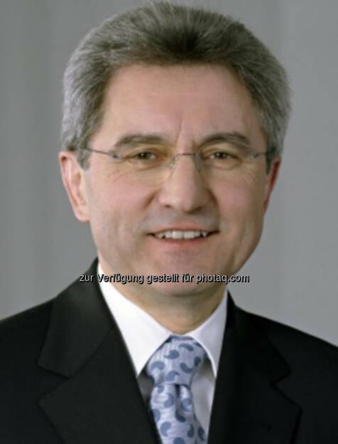 Johann Windisch, Ex-Vorstand Wienerberger (16. Oktober), finanzmarktfoto.at wünscht alles Gute!, © entweder mit freundlicher Genehmigung der Geburtstagskinder von Facebook oder von den jeweils offiziellen Websites  (16.10.2013)