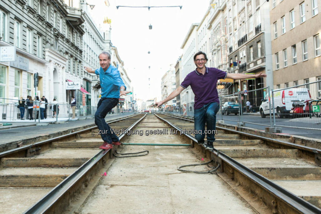 Wir selbst beim Zusteuern auf das Börse Social Network, 2014 wird man daran nicht vorbeikommen: Christian Drastil, Josef Chladek (c) Martina Draper (16.10.2013)