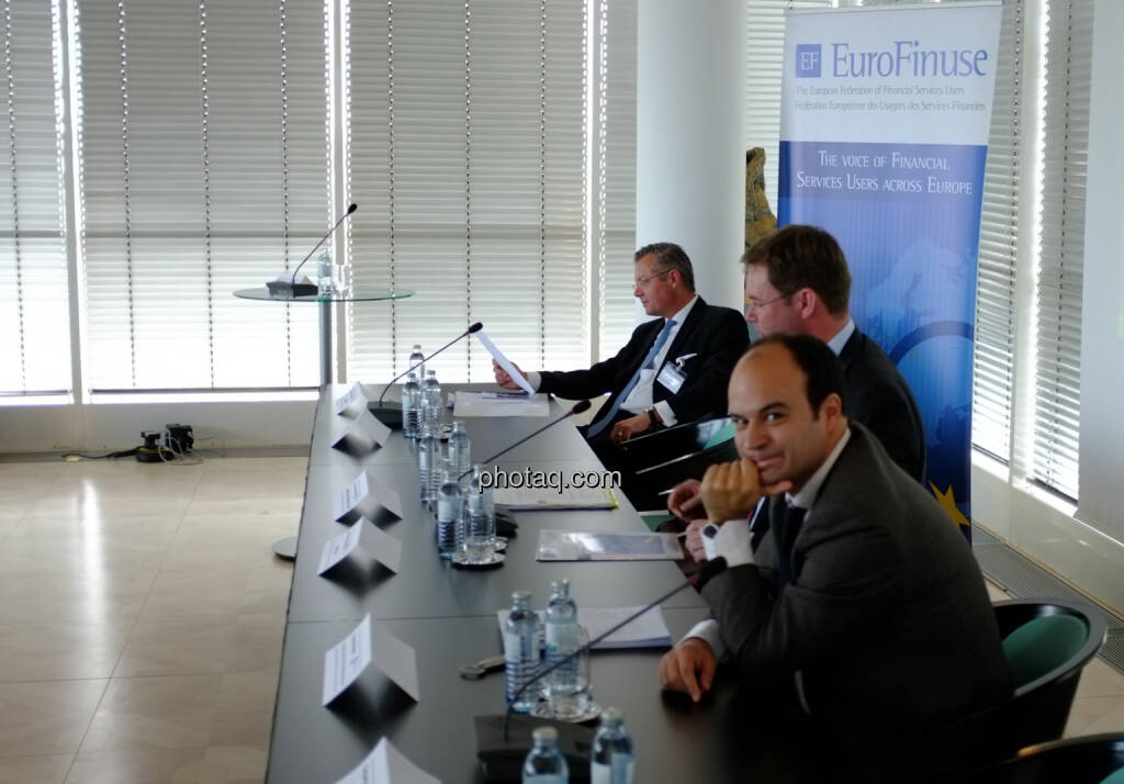 Joachim von Cornberg (Head of Corporate Law and Compliance, DZ Bank Group),  Jan Maarten Slagter (EuroFinuse), Carlos Maravall (Senior Financial Market Analyst, European Commission, DG Internal Market and Services)  (18.10.2013)