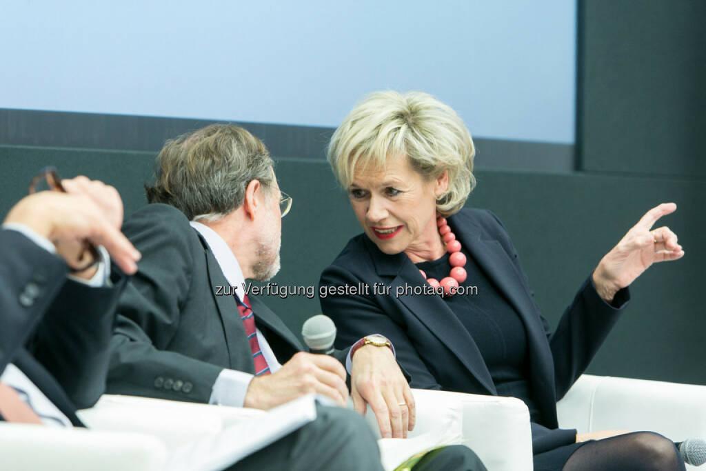 Friedrich Rödler, Vorsitzender des AR, Erste Group Bank AG, Viktoria Kickinger, Geschäftsführende Gesellschafterin, Inara, GmbH, © Martina Draper für das Aktienforum (30.10.2013)