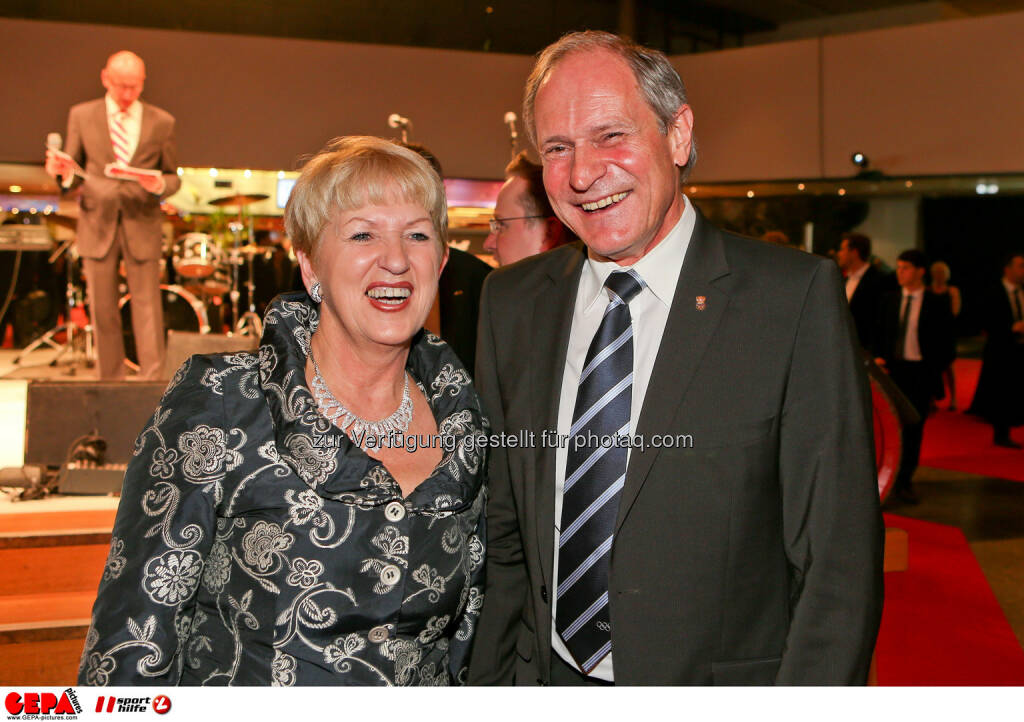 Praesidentin Maria Rauch-Kallath (OEPC) und Generalsekretaer Peter Mennel (OEOC). Foto: GEPA pictures/ Christian Walgram (02.11.2013)