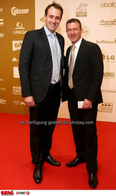 Florian Gosch (OEOC) und Cheftrainer Alexander Pointner (AUT). Foto: GEPA pictures/ Christian Walgram (02.11.2013)