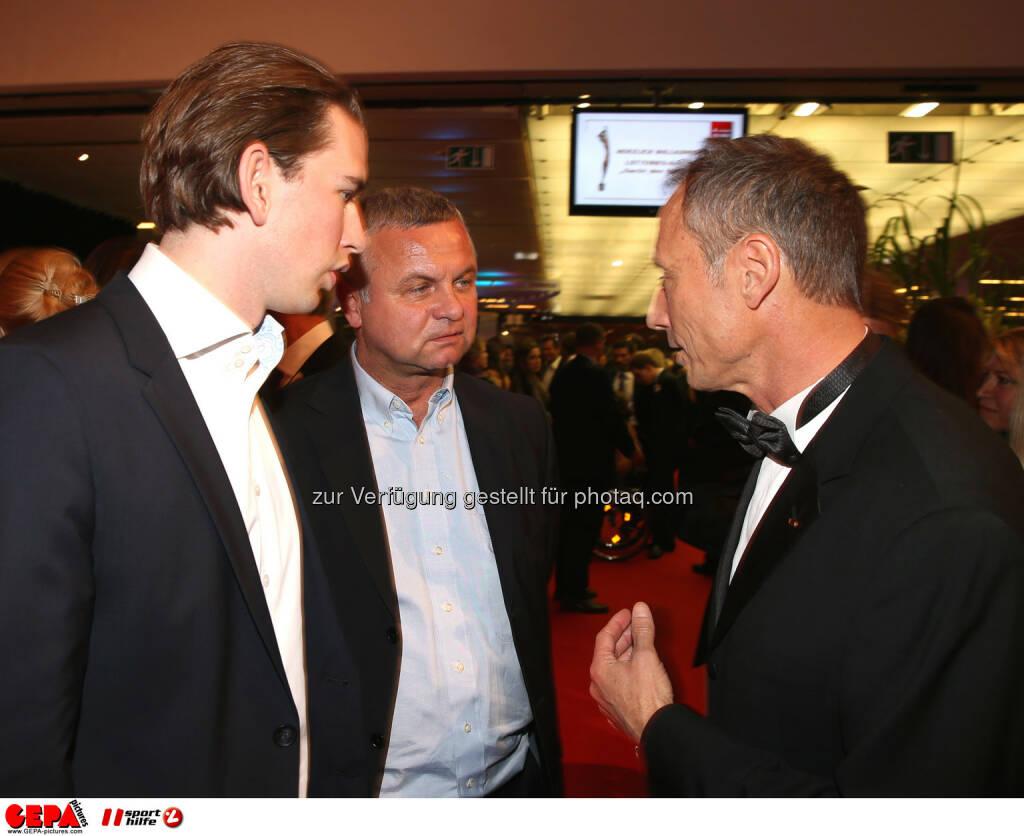 Staatssekretaer Sebastian Kurz und Geschaeftsfuehrer Anton Schutti (Sporthilfe). Foto: GEPA pictures/ Hans Oberlaender  (02.11.2013)