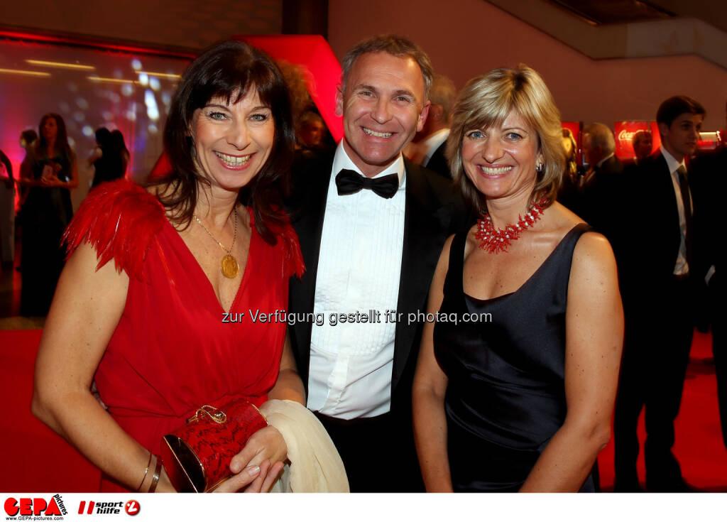 Claudia Kristofics-Binder mit Begleitung. Foto: GEPA pictures/ Hans Oberlaender (02.11.2013)