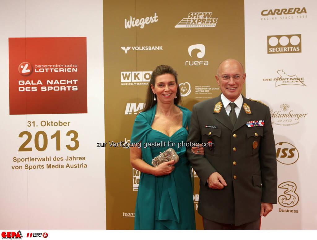 General Othmar Commenda und seine Gattin. Foto: GEPA pictures/ Markus Oberlaender (02.11.2013)