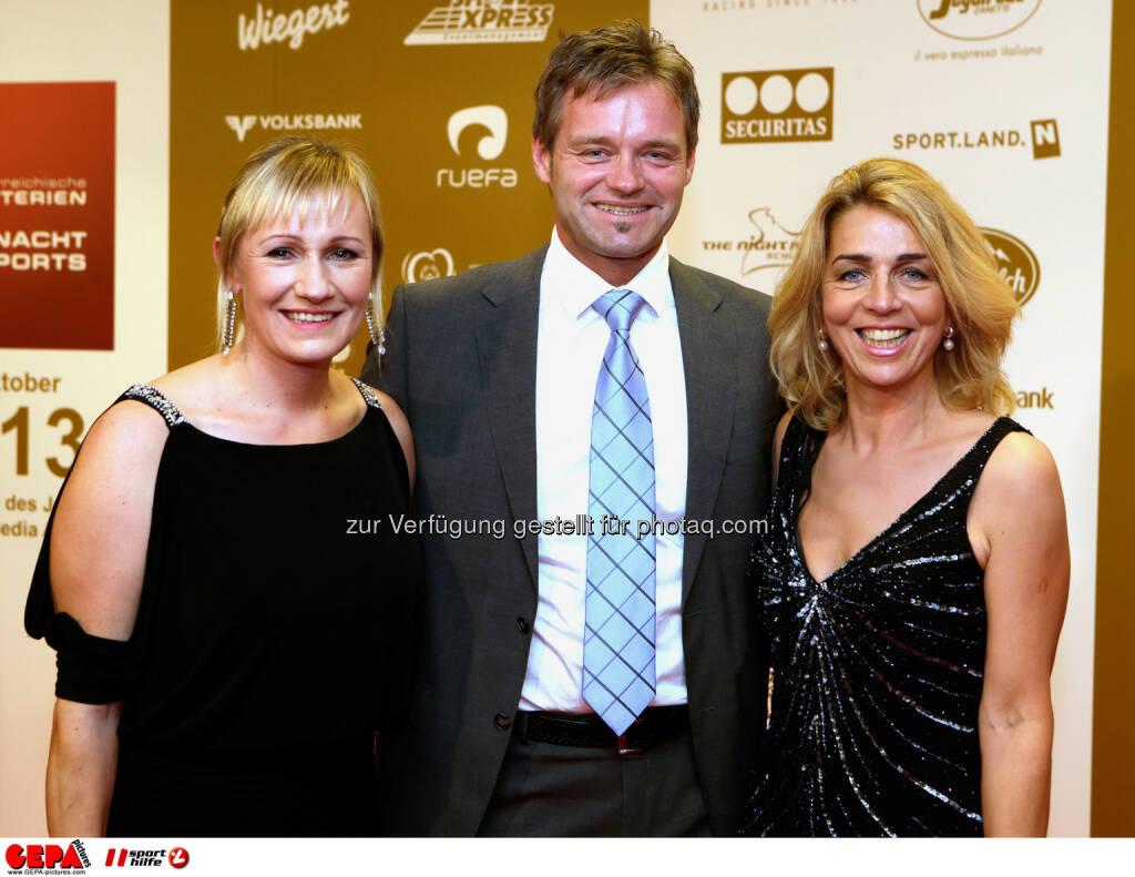 Renate Goetschl, Hannes Kargl und Emese Hunyady. Foto: GEPA pictures/ Walter Luger (02.11.2013)