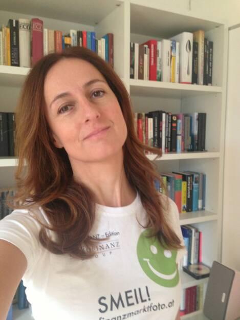 So einen Smeil will ich haben, Sylvia Dellantonio, willhaben.at (Shirt in der Immofinanz-Edition) (04.11.2013)