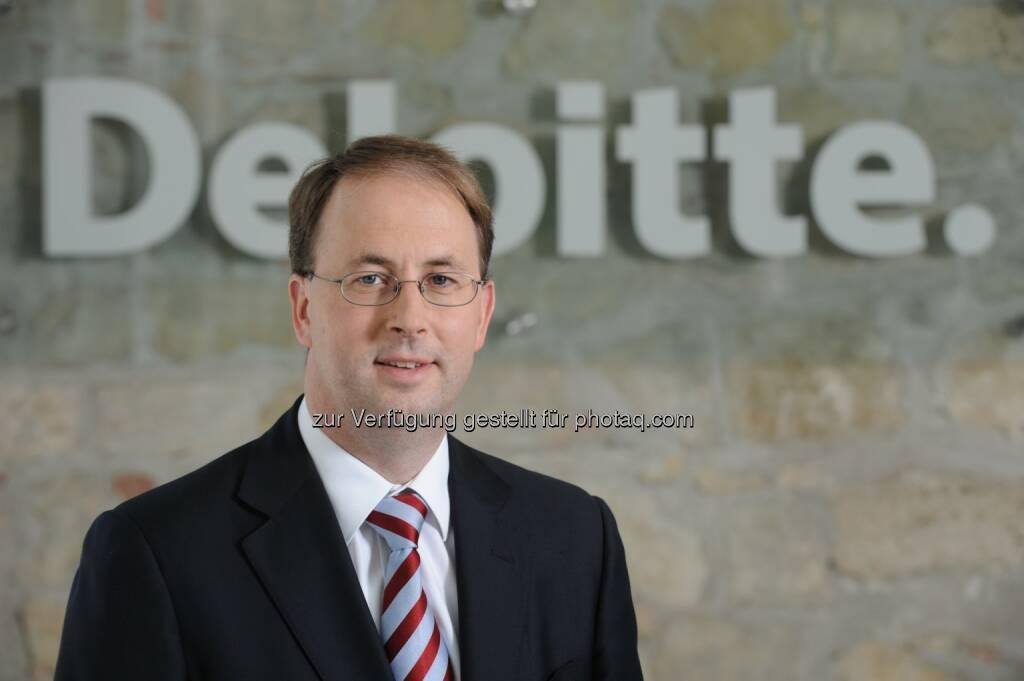 Alexander Ruzicka, Partner, Deloitte Enterprise Risk Services Österreich freut sich darüber, dass Deloitte zu den weltweit führenden Beratungsunternehmen für Cyber Security zählt. Zu diesem Schluss kommt Kennedy Consulting Research & Advisory. (Bild: Deloitte) (07.11.2013)