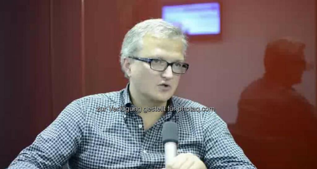 Ricardo-José Vybiral, CEO, Wundermann Man muss interessiert sein, neugierig sein und Leute motivieren können, sagt CEO Ricardo-Jose Vybiral über seinen Job. Was ihm daran am besten gefällt?  Am meisten taugt es mir mit meinen Teams zu sprechen und neue Ideen zu generieren. Das Video (3:37min.) dazu unter: http://www.whatchado.net/videos/ricardo-jos_vybiral, © whatchado (12.11.2013)
