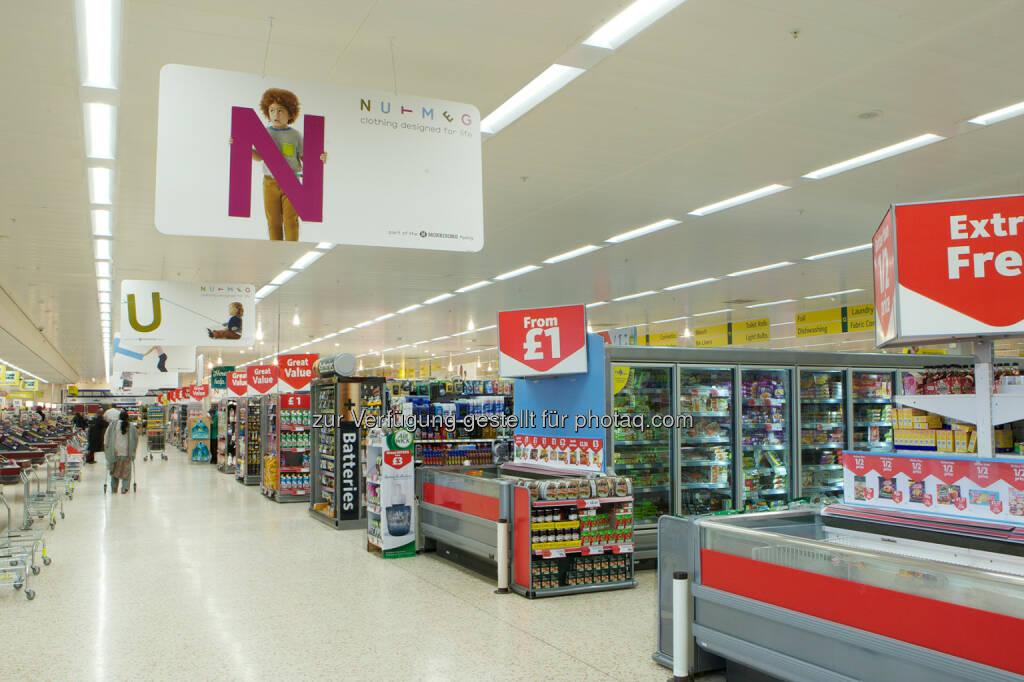 Großauftrag in England: Thorn stattet Wm Morrisons Supermärkte mit innovativer LED-Beleuchtung aus (Bild: Zumtobel) (13.11.2013)