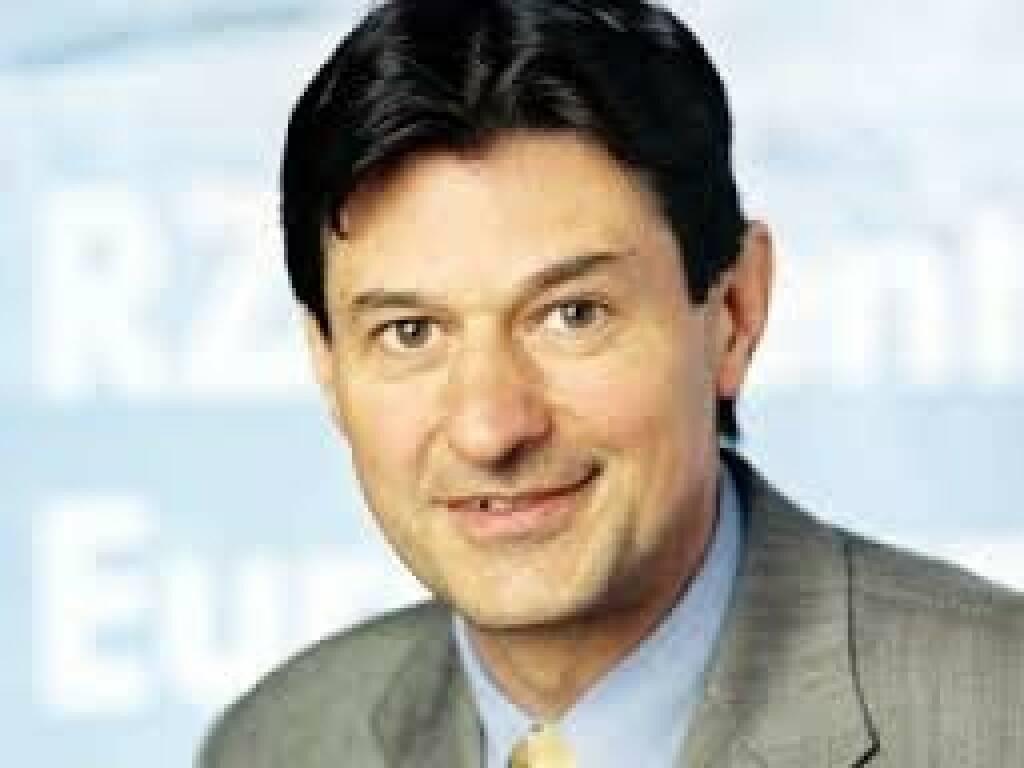 Peter Brezinschek, RZB (22. November), finanzmarktfoto.at wünscht alles Gute!, © entweder mit freundlicher Genehmigung der Geburtstagskinder von Facebook oder von den jeweils offiziellen Websites  (22.11.2013)
