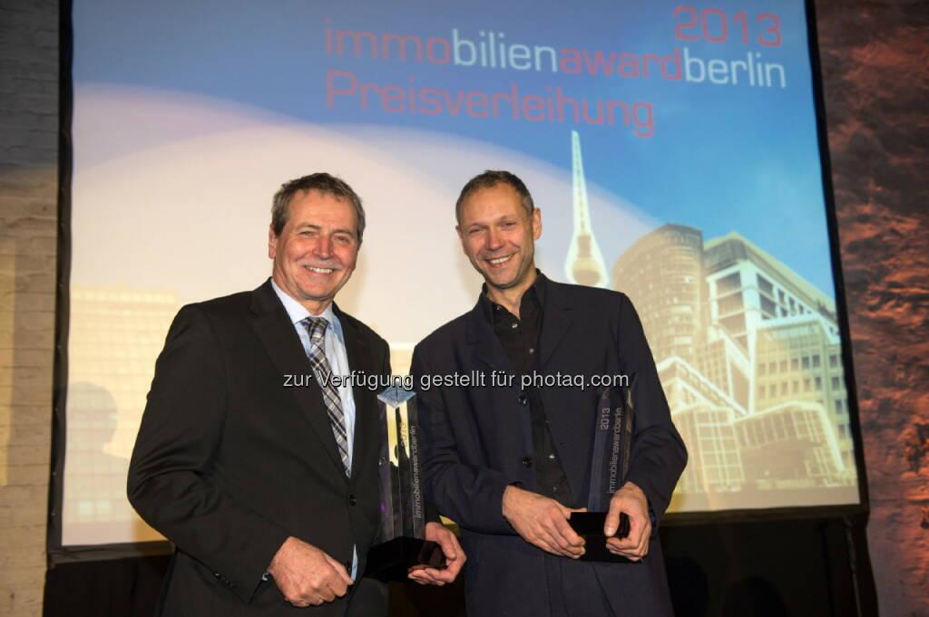 CA Immo  Tour Total gewinnt den immobilienawardberlin 2013Die Gewinner des immobilienaward 2013 (links im Bild: Bernhard H. Hansen, Development-Vorstand CA Immo) (24.11.2013)