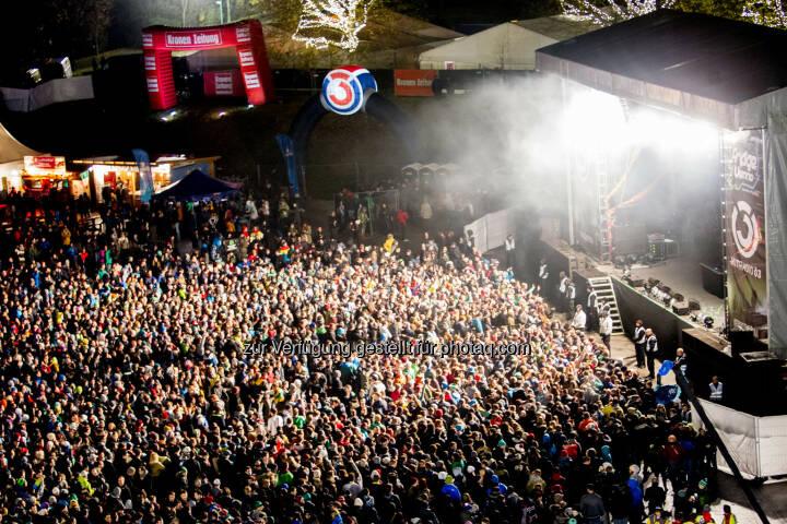 Partycrowd (Bild: Fridge Vienna / Sándor Csudai)