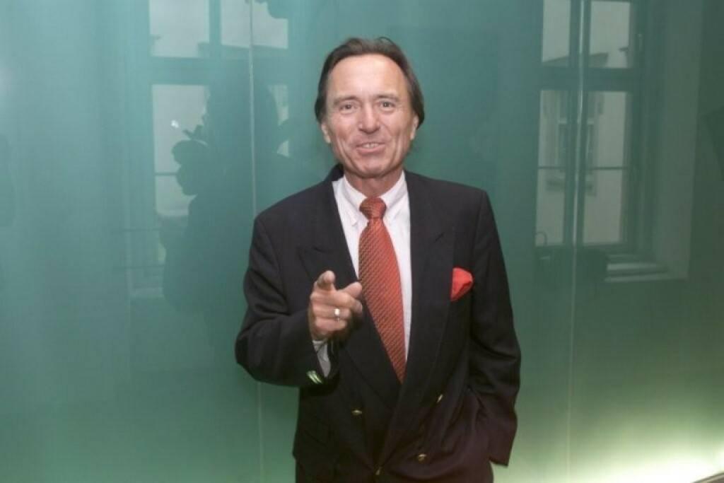 Johann Schmit, Ex-Sprecher Wiener Börse (26. November), finanzmarktfoto.at wünscht alles Gute!, © entweder mit freundlicher Genehmigung der Geburtstagskinder von Facebook oder von den jeweils offiziellen Websites  (26.11.2013)