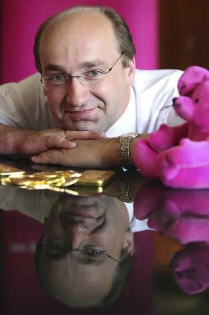 Ernst Huber, DAB / direktanlage.at (29. November), finanzmarktfoto.at wünscht alles Gute! , © entweder mit freundlicher Genehmigung der Geburtstagskinder von Facebook oder von den jeweils offiziellen Websites  (29.11.2013)