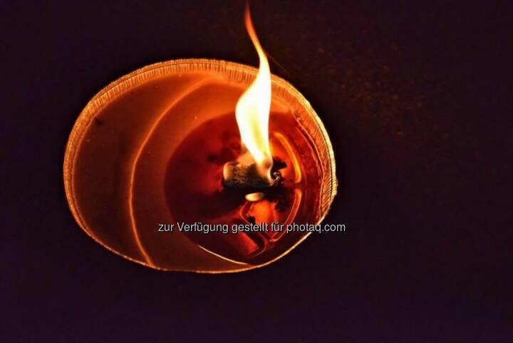Kerze, brennend, Lichter im Advent, www.fotomoldan.at