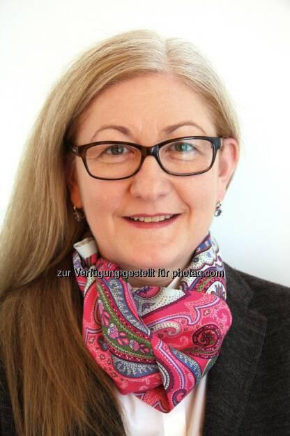Seit November 2013 verstärkt Susanne Krönes (51) die Geschäftsleitung von Coface in Österreich. Als Direktorin der Division Innovation und Organisation ist sie für Marketing und Kommunikation, IT und Organisation sowie für die Leitung der Bereiche Legal und Compliance zuständig.   (10.12.2013)
