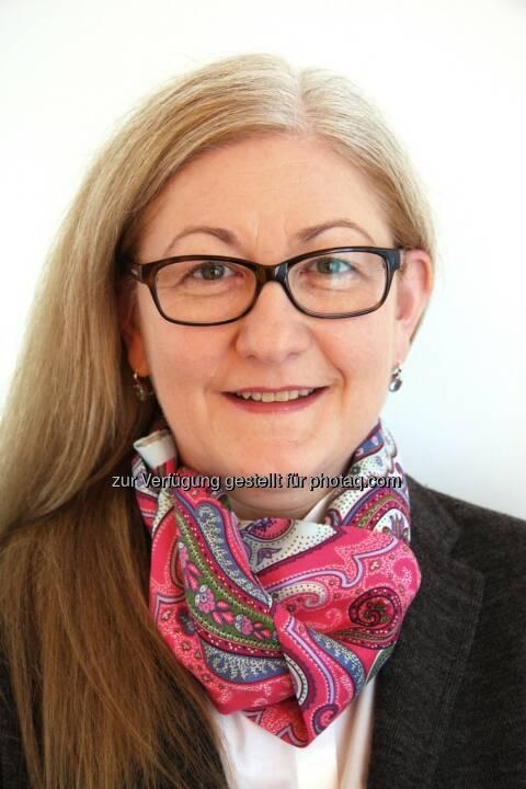 Seit November 2013 verstärkt Susanne Krönes (51) die Geschäftsleitung von Coface in Österreich. Als Direktorin der Division Innovation und Organisation ist sie für Marketing und Kommunikation, IT und Organisation sowie für die Leitung der Bereiche Legal und Compliance zuständig.