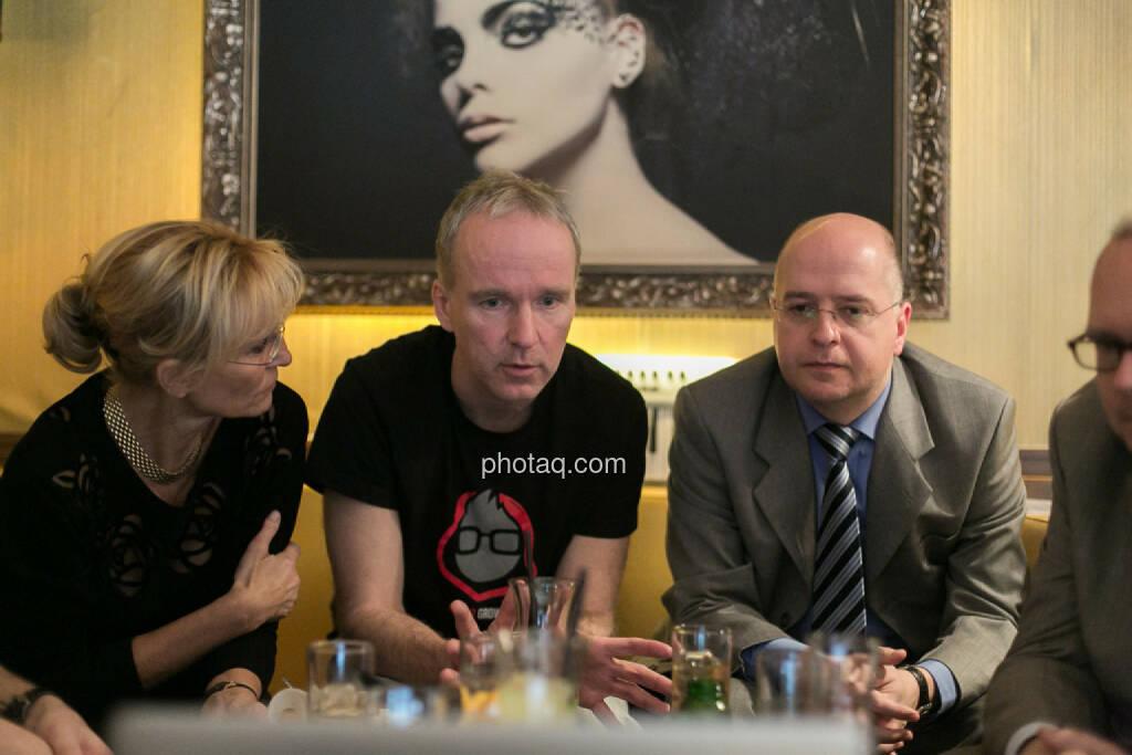 Isabella de Krassny (Donau Invest), Christian Drastil, Erwin Hof (Wiener Börse), © bsn/Martina Draper (12.12.2013)
