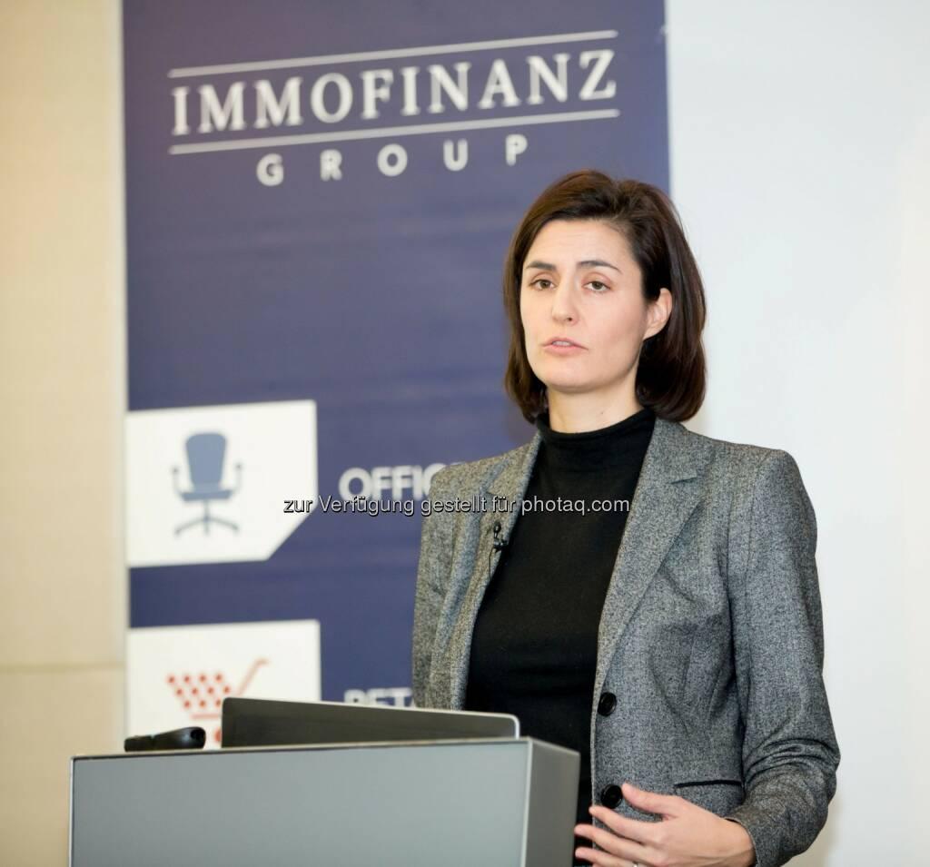 Birgit Noggler, CFO Immofinanz, bei der Präsentation des Immofinanz Halbjahresergebnises  per 31. Oktober 2013 (c) Immofinanz (19.12.2013)