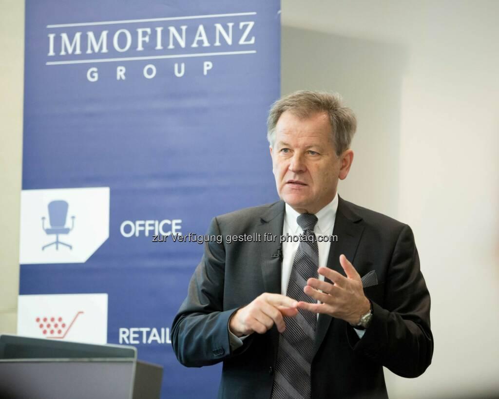 Eduard Zehetner, CEO Immofinanz, bei der Präsentation des Immofinanz Halbjahresergebnises  per 31. Oktober 2013 (c) Immofinanz (19.12.2013)