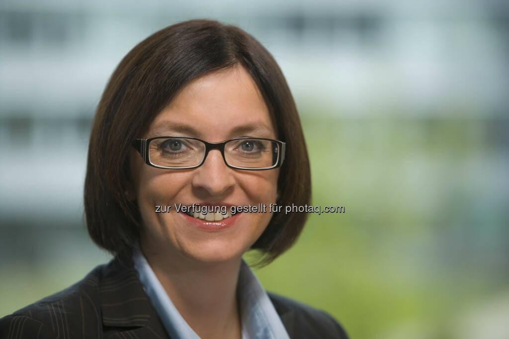 Karin Sonnenmoser: Der Aufsichtsrat der Zumtobel AG hat sie zum neuen Finanzvorstand der Zumtobel AG ernannt. Die 44-jährige Diplom-Kauffrau wurde für drei Jahre bestellt und wird ihre Tätigkeit zum 1. Mai 2014 aufnehmen (c) Zumtobel (07.01.2014)