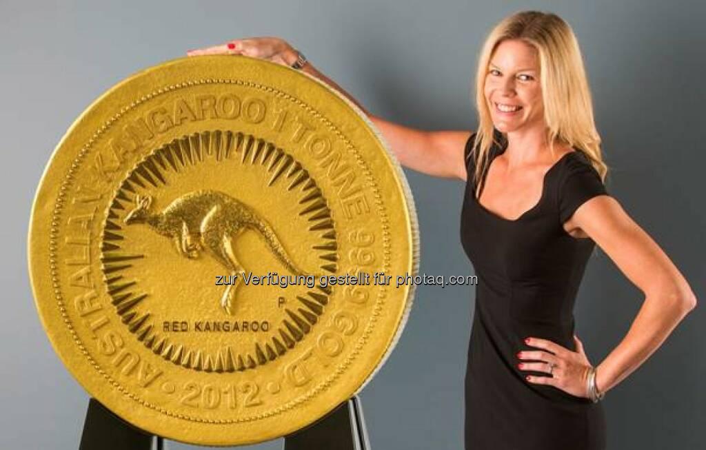 """Die größte Goldmünze der Welt wird am 27. Januar von 14.30 bis 20.00 Uhr und am 28. Januar von 09.00 bis 17.30 Uhr im Münchner Goldhaus von pro aurum ausgestellt. Der sogenannte """"Red Känguru"""" wurde von der Perth Mint hergestellt, der australischen Münzprägeanstalt (c) pro aurum (08.01.2014)"""