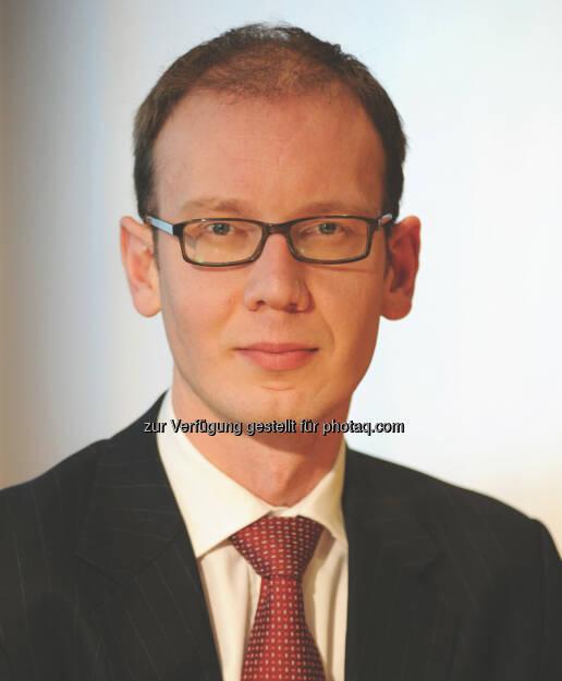 James Tomlins ist mit Wirkung zum 1. Januar 2014 zum Co-Manager des EUR 1,6 Milliarden schweren M&G High Yield Corporate Bond Fund ernannt worden. Er verwaltet den Fonds zukünftig gemeinsam mit Stefan Isaacs (c) Aussendung (09.01.2014)