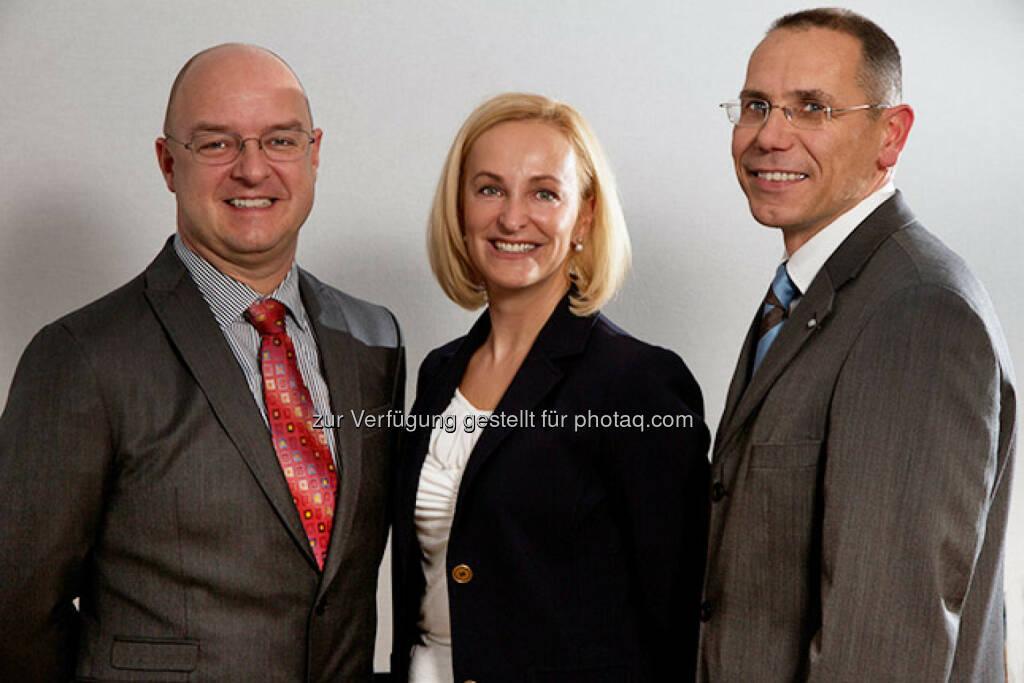 Die Finanzvorständin der in Frankfurt notierten BioEnergy International AG (BDI), Dagmar Heiden-Gasteiner, verlässt mit Ende Juni das Unternehmen. Wie BDI mitteilte, werden die beiden Vorstandskollegen Markus Dielacher und Edgar Ahn (re). ihre Verträge für eine weitere Periode verlängern. (14.01.2014)