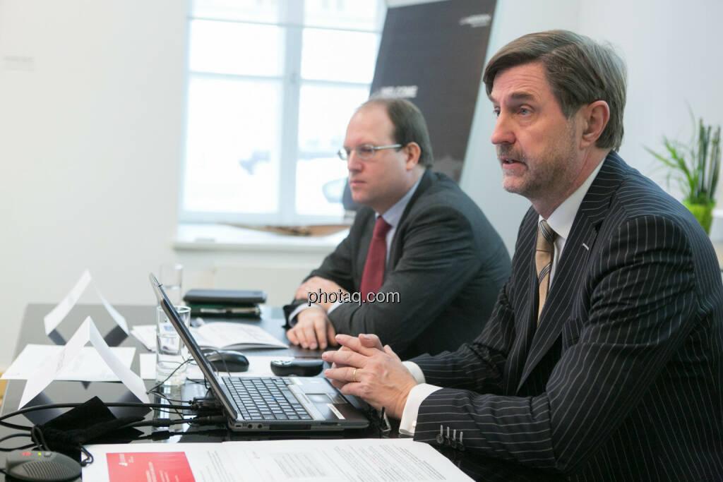 Florian Nowotny, Finanzvorstand der  CA Immo (CFO), Bruno Ettenauer, Vorstandsvorsitzender der CA Immo (CEO), © finanzmarktfoto.at/Martina Draper (14.01.2014)