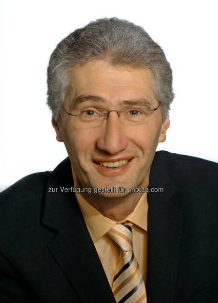 Eduard Huber (52), zuletzt als Therapy Area Lead Internal & Urology im Management Team und seit 1998 bei GSK, hat als Area Manager den Bereich Regional Opportunities & Classic Brands übernommen und ist damit für den gesamten Außendienst – seit September in einer regionalen Struktur – verantwortlich., © GSK (15.01.2014)