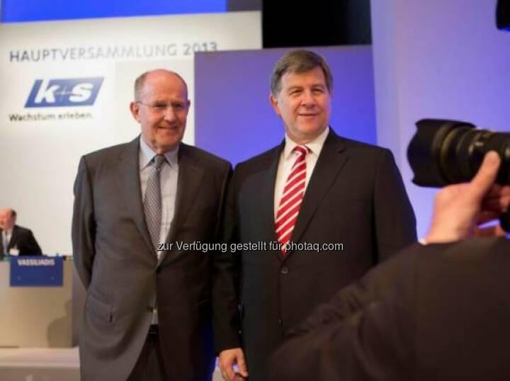 Norbert Steiner (K+S-Vorstandschef) und Ralf Bethke (K+S-Aufsichtsratsvorsitzender, li.) zu Beginn der Hauptversammlung 2013