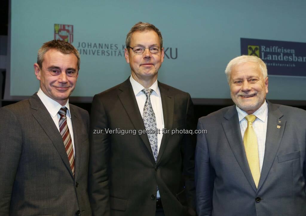 Heinrich Schaller (RLB OÖ), Peter Bofinger (Deutscher Wirtschaftsweise), Friedrich Schneider (JKU) im RaiffeisenForum der RLB OÖ (Bild: RLB OÖ/Strobl ) (16.01.2014)