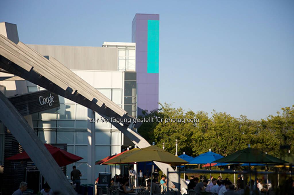 Hauptsitz Google in Mountain View, Aussenbestuhlung, © Google (Homepage) (25.01.2014)