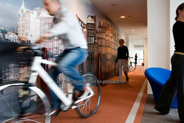 Indoor-Fahrradweg in den Niederlanden, Google