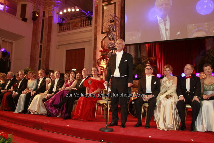 Eröffnungsrede Veranstalter Reinhard Einwaller, Immobilienball 2014 (Foto: epmedia)