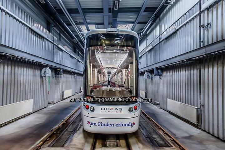 Straßenbahngarnitur der Linz AG Linien