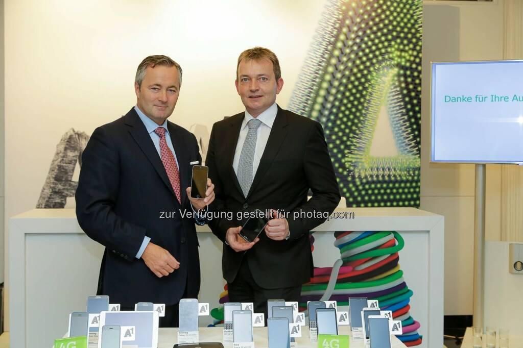 Hannes Ametsreiter (GD A1) und Marcus Grausam (Vorstand Technik A1): A1 startet LTE 800 High-Speed Mobilfunknetz am Stadtrand und im ländlichen Bereich. (C) A1/APA-Fotoservice/Tanzer (28.01.2014)