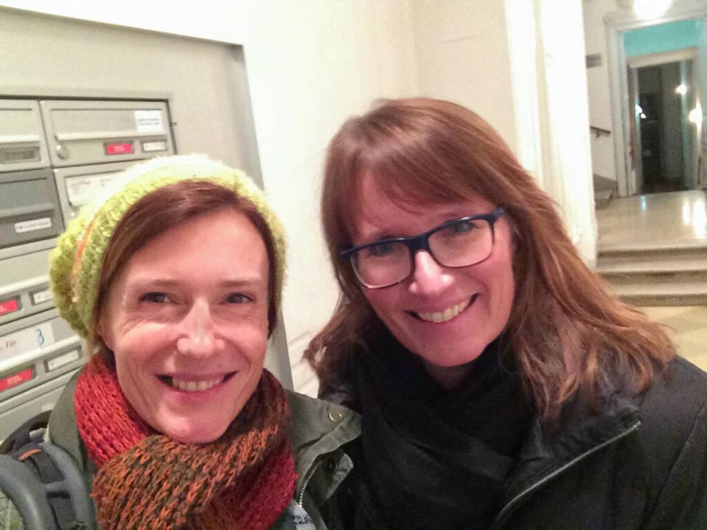 Martina Draper ( http:www.finanzmarktfoto.at ) und quasi Nachbarin Martina Büchele (Leiterin Konzernkommunikation Semperit) bei Intomedia, http://martina-draper.at/2014/01/30/print_und_online_training_bei_intomedia#bild_16381  (31.01.2014)