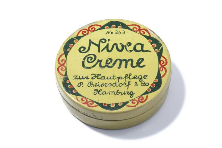 Erste NIVEA Creme Dose aus dem Jahre 1911, Beiersdorf