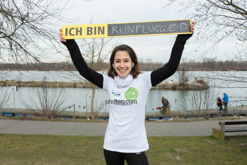 Anita Auttrit, runplugged, Smeil-Shirt in der bet-at-home edition, © finanzmarktfoto.at/Martina Draper (15.02.2014)