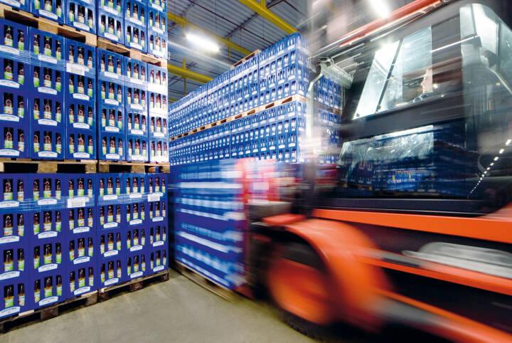 Lieferung von Getränkekisten, Metro Group