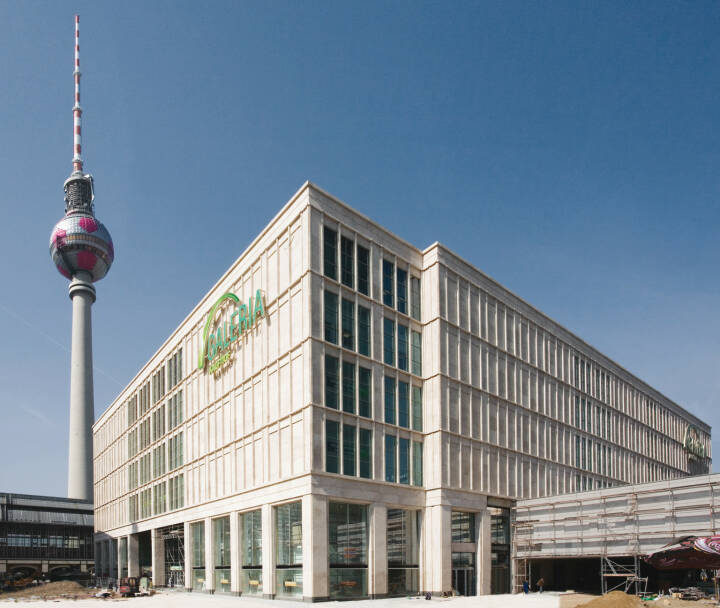 Galeria Kaufhof in Berlin am Alexanderplatz, Metro Group