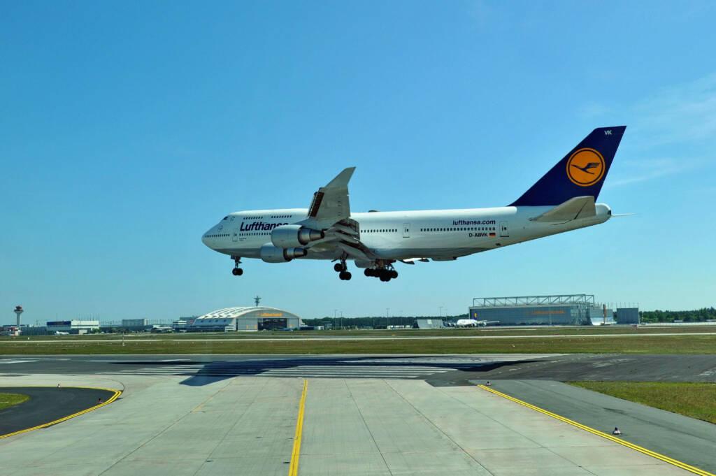Lufthansa Boeing B747-400 Landung, (C) Kerstin Roßkopp, © Lufthansa AG (Homepage) (17.02.2014)