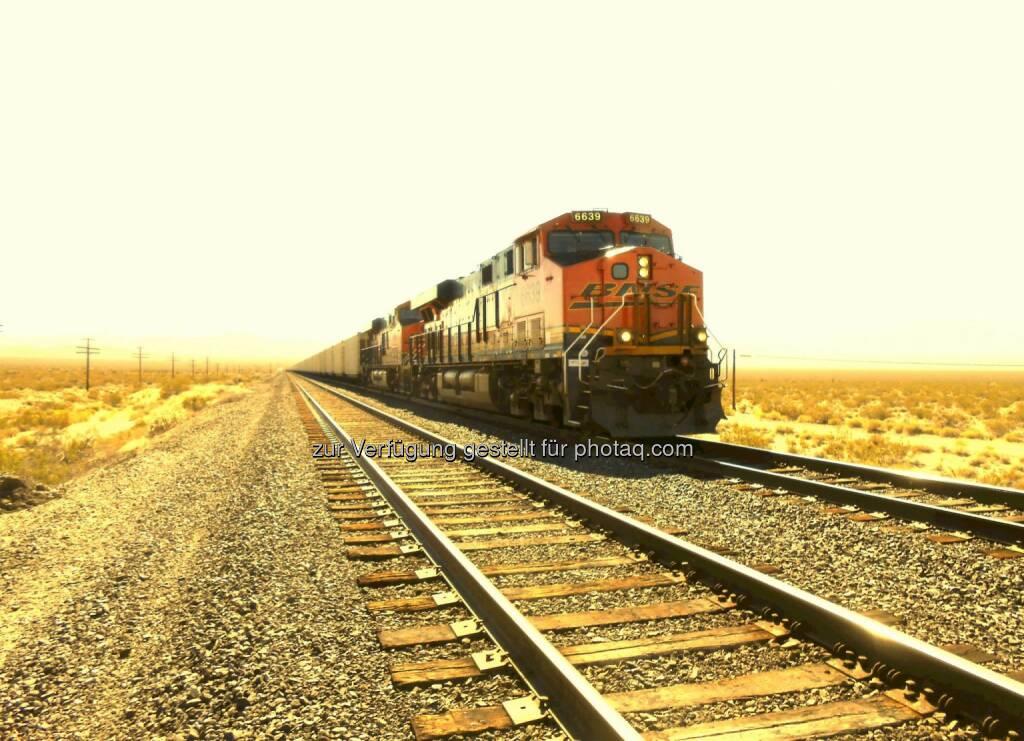 Slow Train Coming, Zug (2013) , © Dietmar Scherf (17.02.2014)