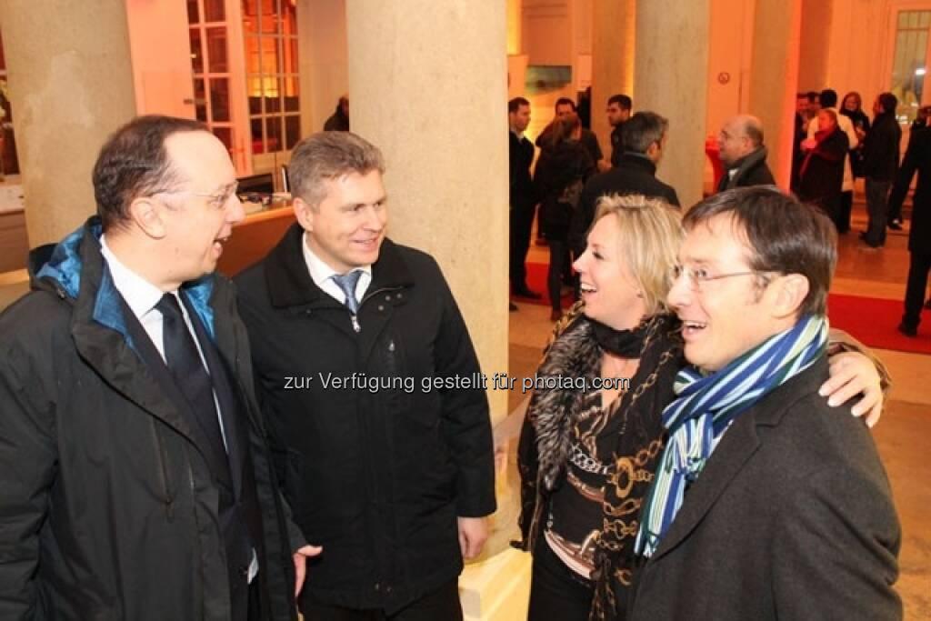 Roman Eisenschenk und Thomas Neuhold (Kepler), Ulrike Mülleder (Wiener Börse), Roland Neuwirth (Salus Alpha), © Wiener Börse AG (15.12.2012)