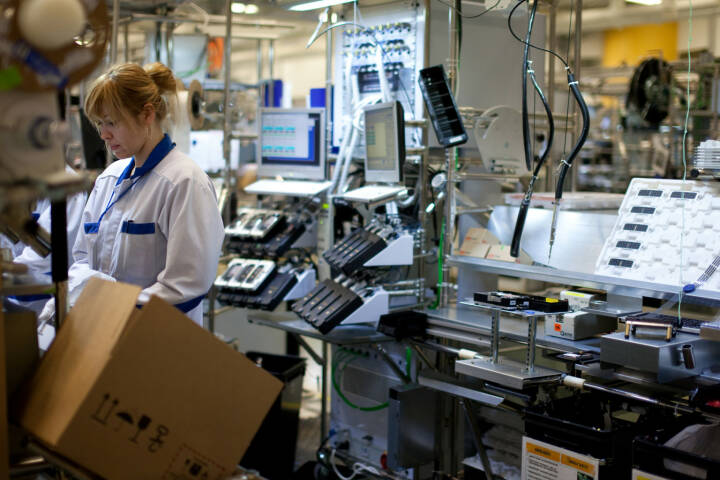 Nokia Production (Production of Nokia E75 in Salo factory, Finland)