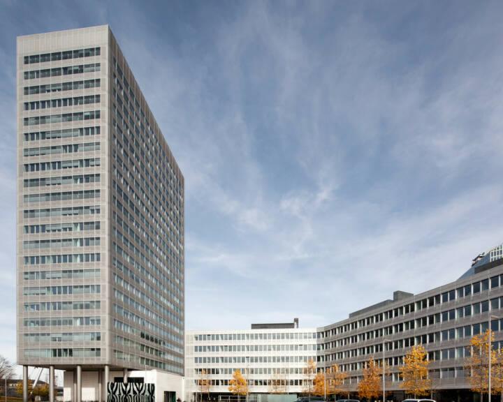 Geschäftsgebäude am Münchner Tor, Münchner Rückversicherung